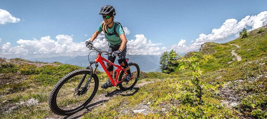 Планински велосипеди с пълно окачване дамски