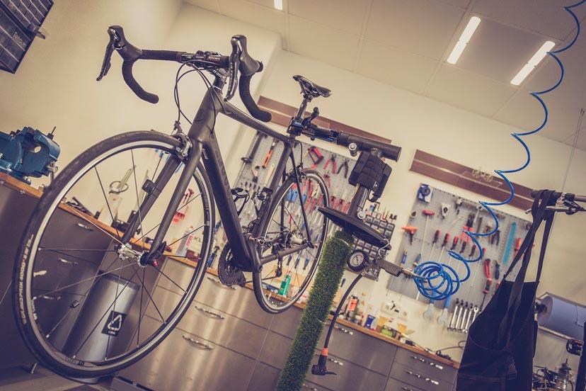 Обслужване на велосипеди в Bike Center